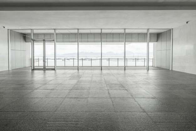 Eingangshalle und leere bodenfliese, innenraum Premium Fotos