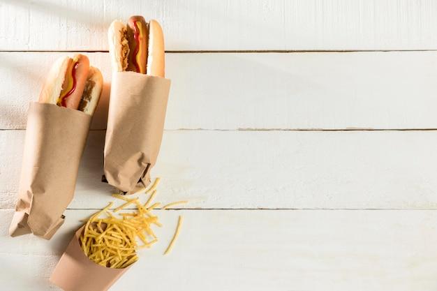 Eingepackter hot dog- und käsekopierraum Kostenlose Fotos