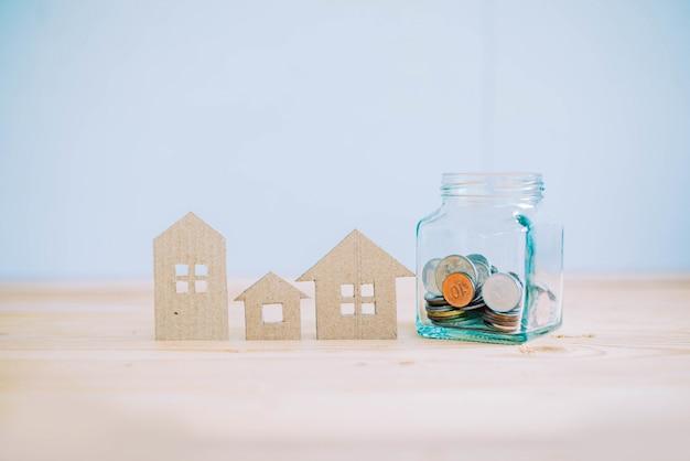 Einsparung für investition beim kauf eines hauses, wohnungsbaudarlehenkonzept Premium Fotos