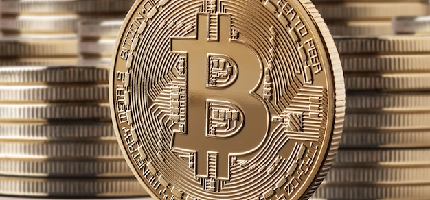 Einzelne bitcoin-münze oder symbol vor münzstapeln. kryptowährung und blockchain-konzept, Premium Fotos