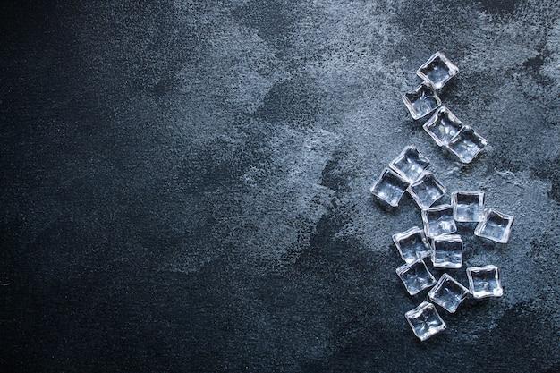 Eis künstliche transparente acrylstücke kunststoff wiederverwendbar Premium Fotos