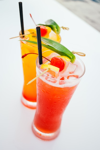Eis trinkendes cocktailglas Kostenlose Fotos