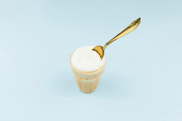Eiscreme mit löffel Kostenlose Fotos