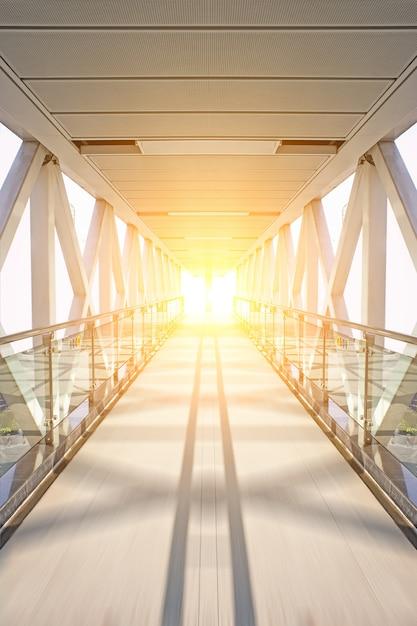 Eisen-gateway mit sonne hintergrund Kostenlose Fotos