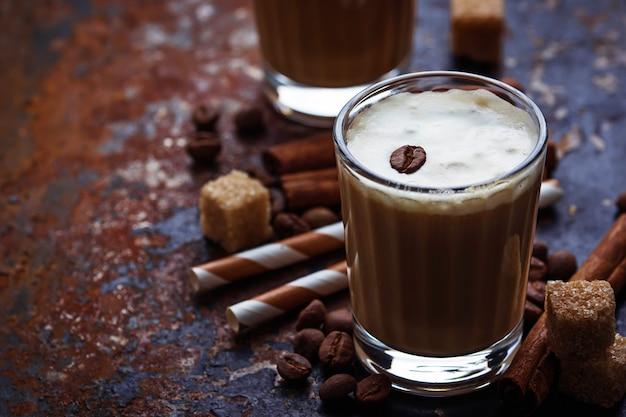 Eiskaffee mit sahne Premium Fotos