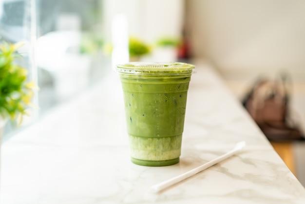 Eistasse matcha latte mit grünem tee Premium Fotos