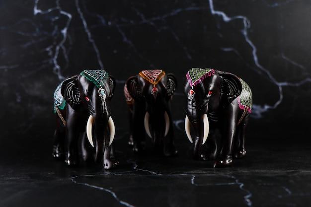 Elefant, schnitzen, handgemachtes handwerk Premium Fotos
