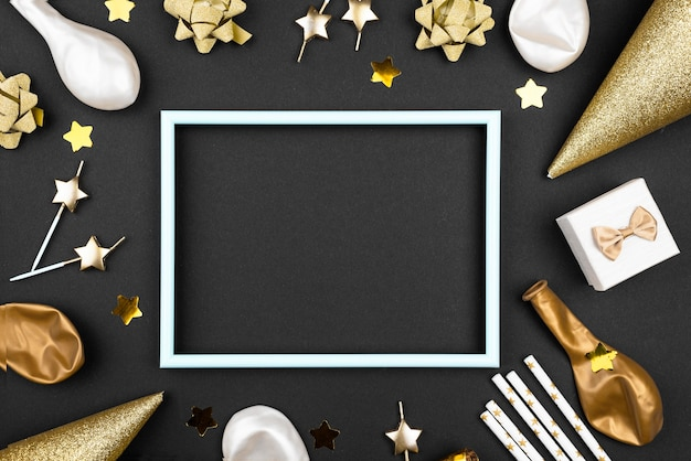 Elegante geburtstagsornamente rahmen flache lage ein Premium Fotos
