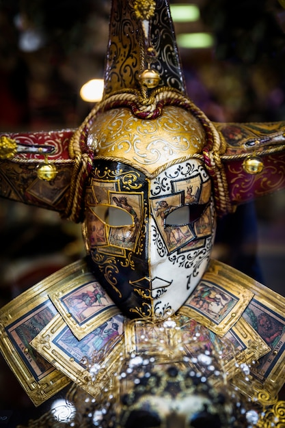 Elegante komposition mit venezianischer karnevalsmaske Kostenlose Fotos