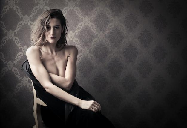 Elegante nackte frau Premium Fotos