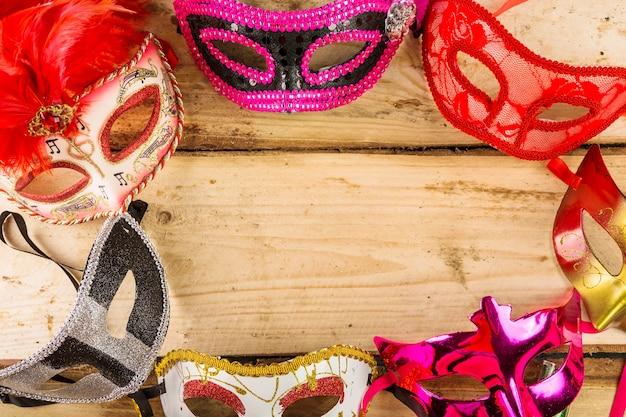 Elegante venezianische karnevalszusammensetzung Kostenlose Fotos