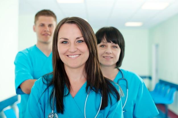 Erfolgreiches medizinisches team Kostenlose Fotos