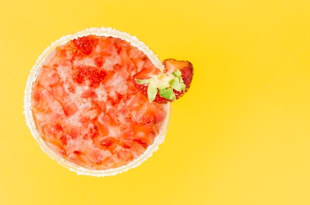 Erfrischungssaft mit erdbeeren Kostenlose Fotos