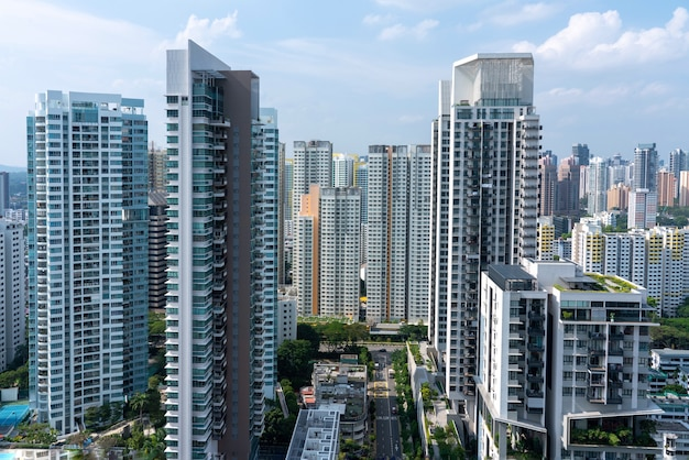 Erstaunliche luftaufnahme des stadtbildes von singapur mit vielen wolkenkratzern Kostenlose Fotos