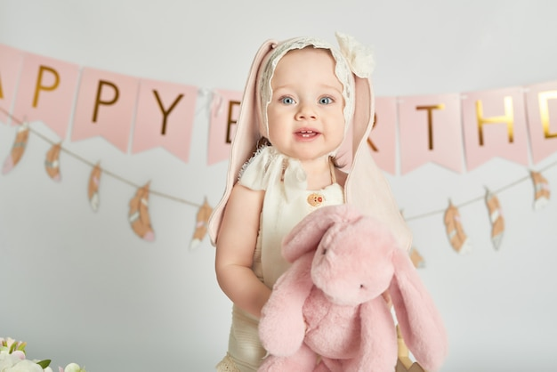 Erste geburtstagsmädchen, dekor in rosa farben Premium Fotos