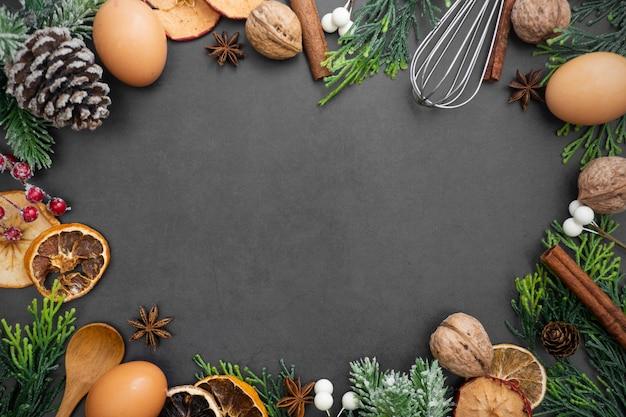 Essen und backen verspotten. verschiedene küchenutensilien. Premium Fotos