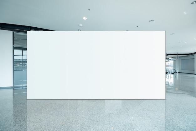 Fabric pop up grundgerät werbebanner media display hintergrund, leer Premium Fotos