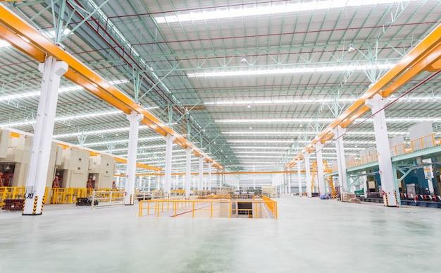 Fabrikhalle und maschinen Premium Fotos