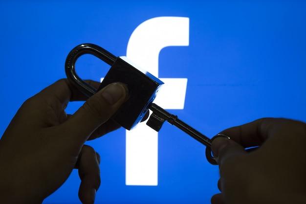 Facebook-sicherheitsinhalte. Premium Fotos