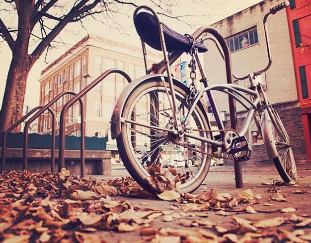 Fahrrad angekettet Kostenlose Fotos