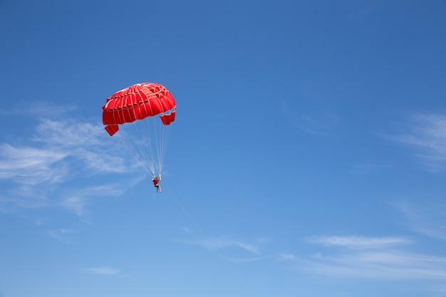 Fallschirmspringen Premium Fotos