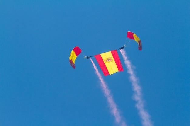Fallschirmspringer der papea Premium Fotos