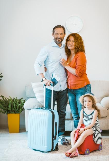 Familie im urlaub verlassen. Premium Fotos