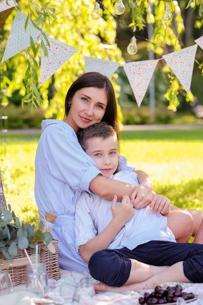 Familienpicknick Kostenlose Fotos