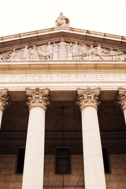 Fassade der börse mit klassischer architektur Kostenlose Fotos