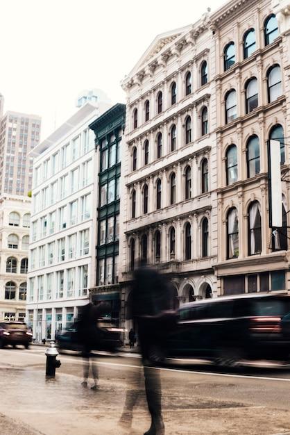 Fassaden von gebäuden mit klassischer architektur Kostenlose Fotos