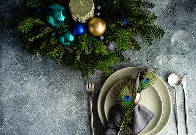 Festliche tischdekoration zum weihnachtsessen Premium Fotos
