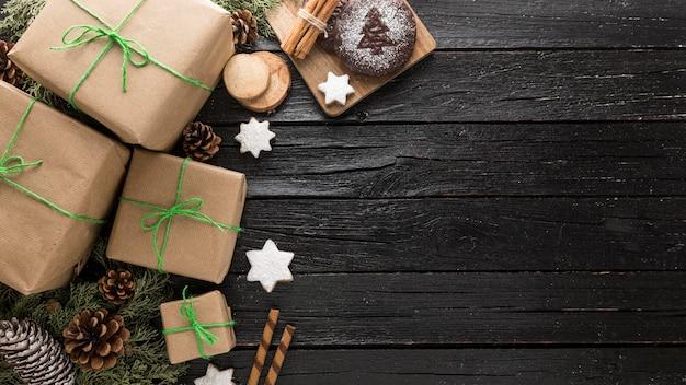 Festliches weihnachtsgeschenksortiment mit kopienraum Premium Fotos