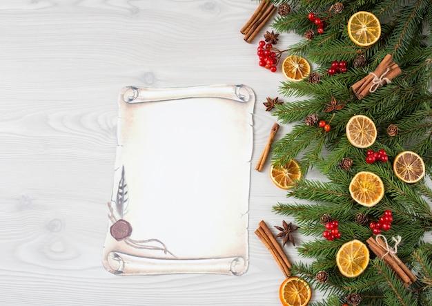 Fichte, zimt, orangenscheiben, rote beeren, anis und zapfen, papierbogen - brief an den weihnachtsmann Premium Fotos