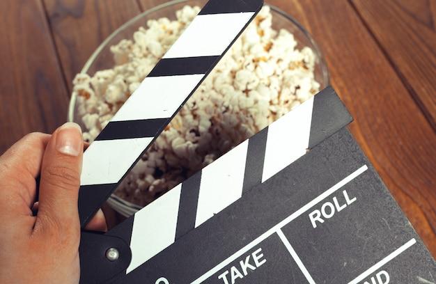 Filmklappe aus popcorn Premium Fotos