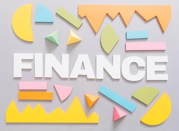 Finanzieren Sie Wort mit buntem Diagramm und geometrischen Formen ...