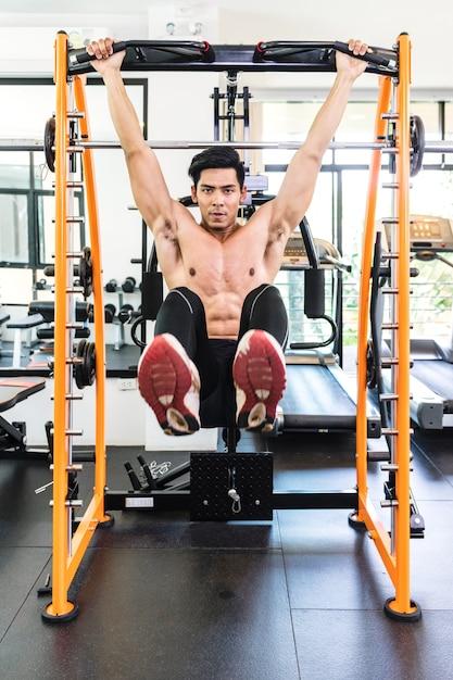Fitness-, sport-, powerlifting- und people-konzept Premium Fotos
