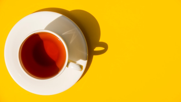 Flach lag das teetassenstillleben Kostenlose Fotos