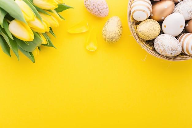Flache eiablage ostern im nest Kostenlose Fotos