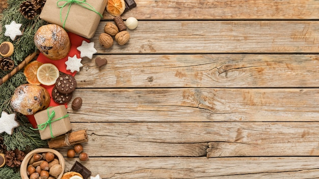 Flache lag festliche weihnachtstabelle anordnung mit kopienraum Premium Fotos