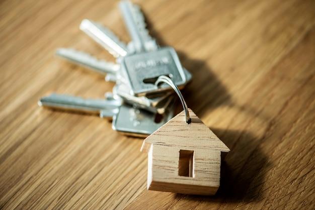 Flache lage des immobilienkonzeptes Kostenlose Fotos