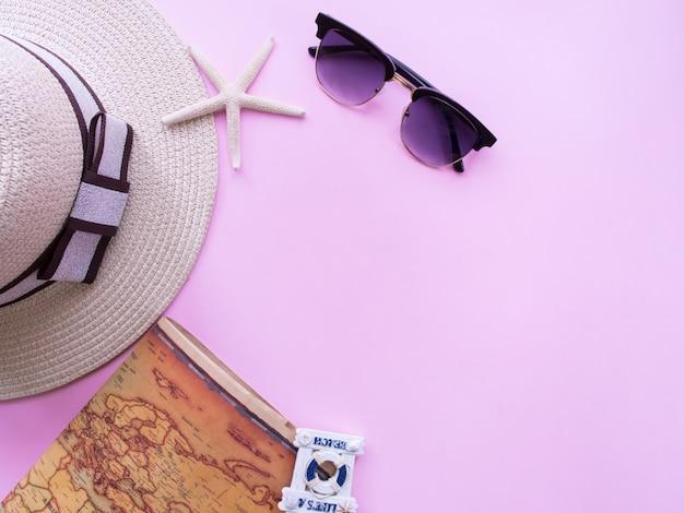 Flache lage des sommerferienhintergrundes. Premium Fotos