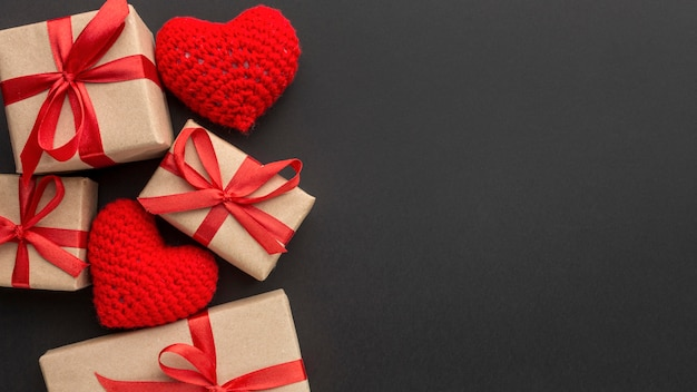 Flache lage des valentinstagskonzepts mit kopierraum Kostenlose Fotos