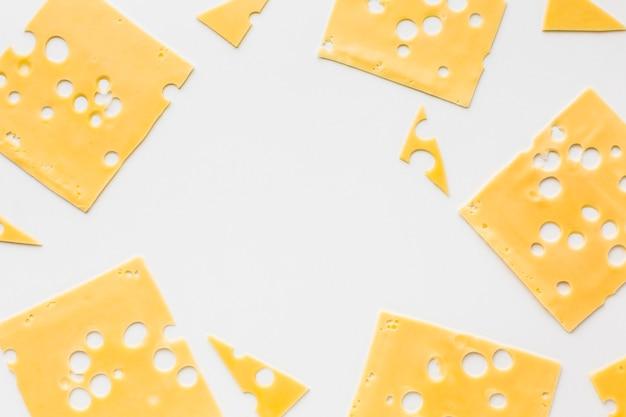 Flache lage emmentaler käsescheiben rahmen Kostenlose Fotos