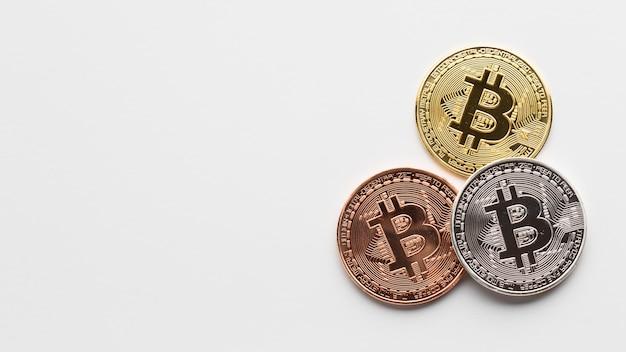 Flache lage von bitcoin mit copy-space Kostenlose Fotos