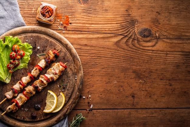 Flaches fleischstückkonzept mit kopierraum Kostenlose Fotos