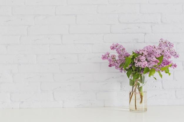 flieder in der vase download der kostenlosen fotos. Black Bedroom Furniture Sets. Home Design Ideas
