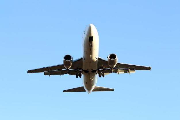 Flugzeug am himmel Kostenlose Fotos