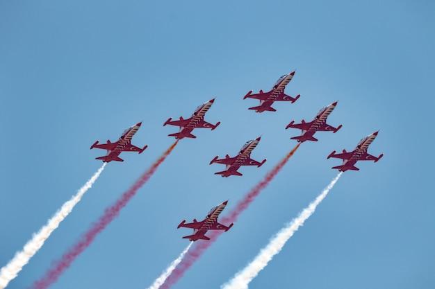 Flugzeuge northrop freedom fighter der türkischen stars Premium Fotos