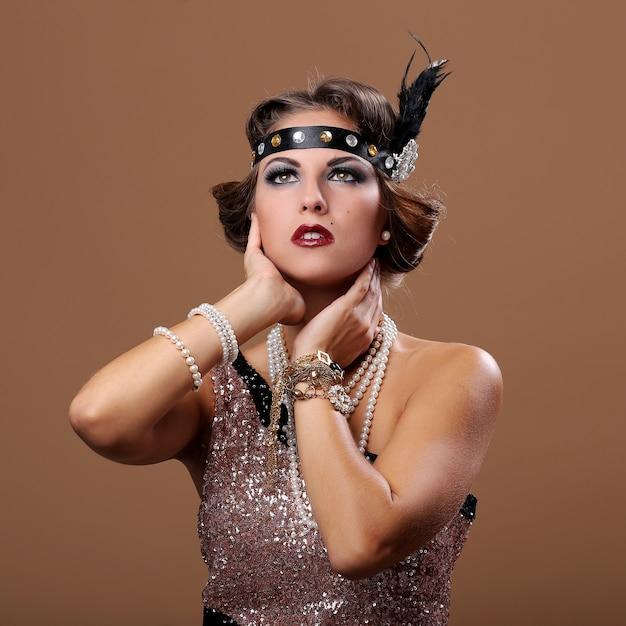 Foto des schönen partyfrauendenkens Kostenlose Fotos