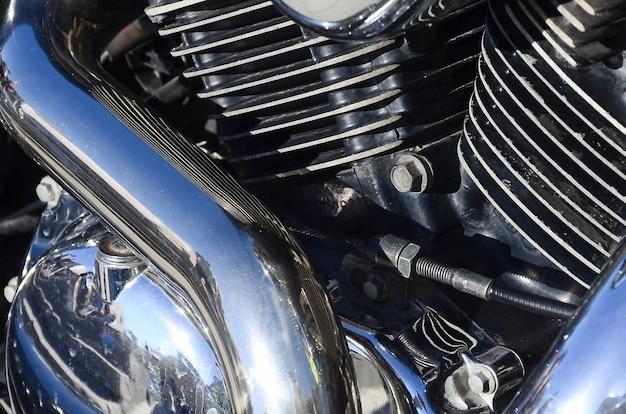 Fragment des chromierten glänzenden körperteils des alten klassischen motorrades Premium Fotos